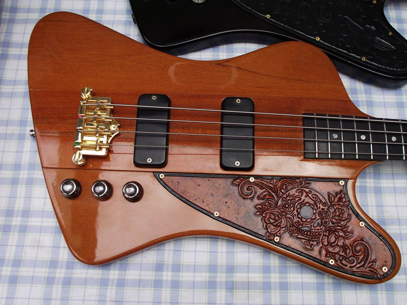 Kings of Leon Gibson Thunderbird Basses