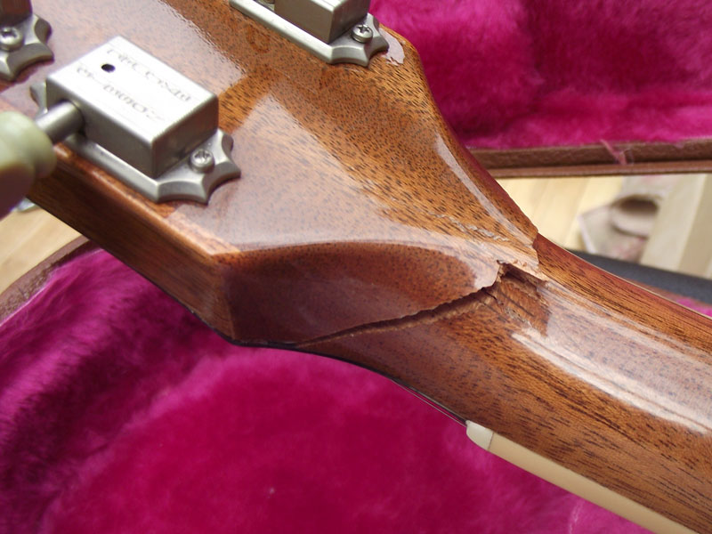 Nasty Gibson Les Paul headstock break